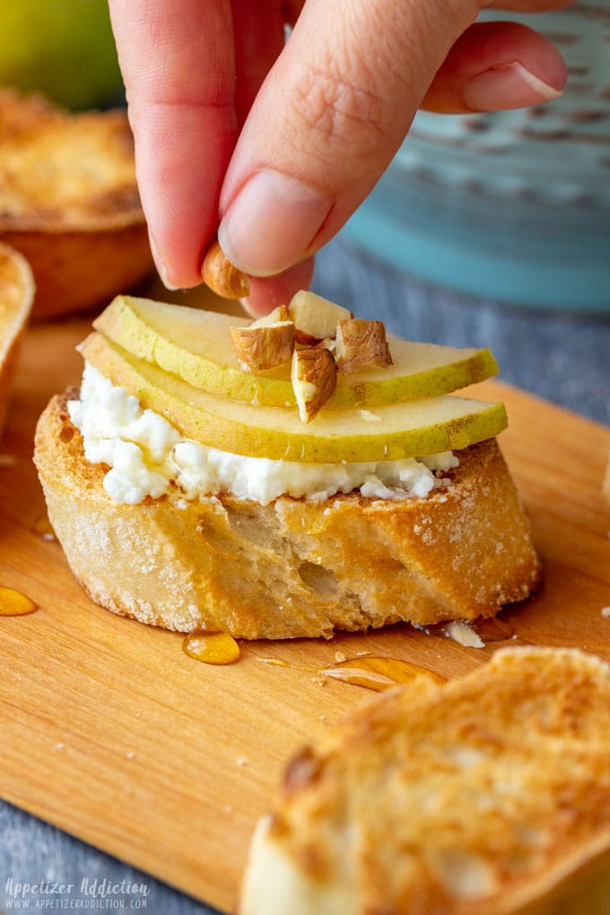 How to Make Pear and Goat Cheese Crostini
