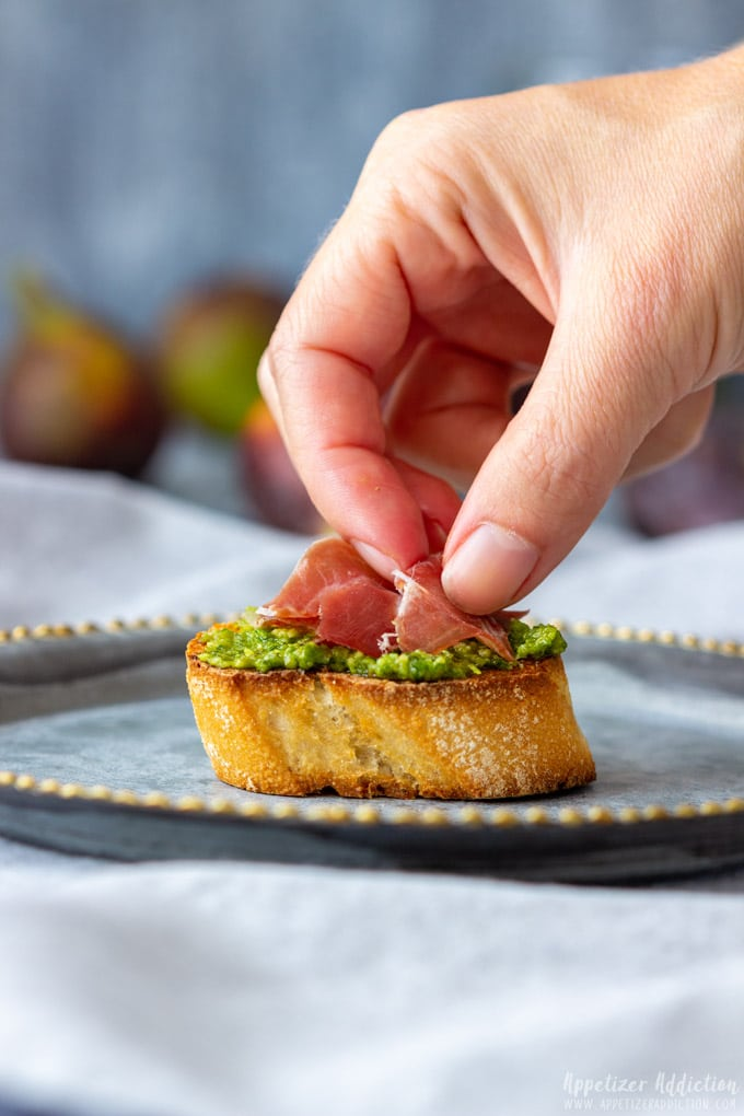 How to make Prosciutto Fig Crostini Step 4