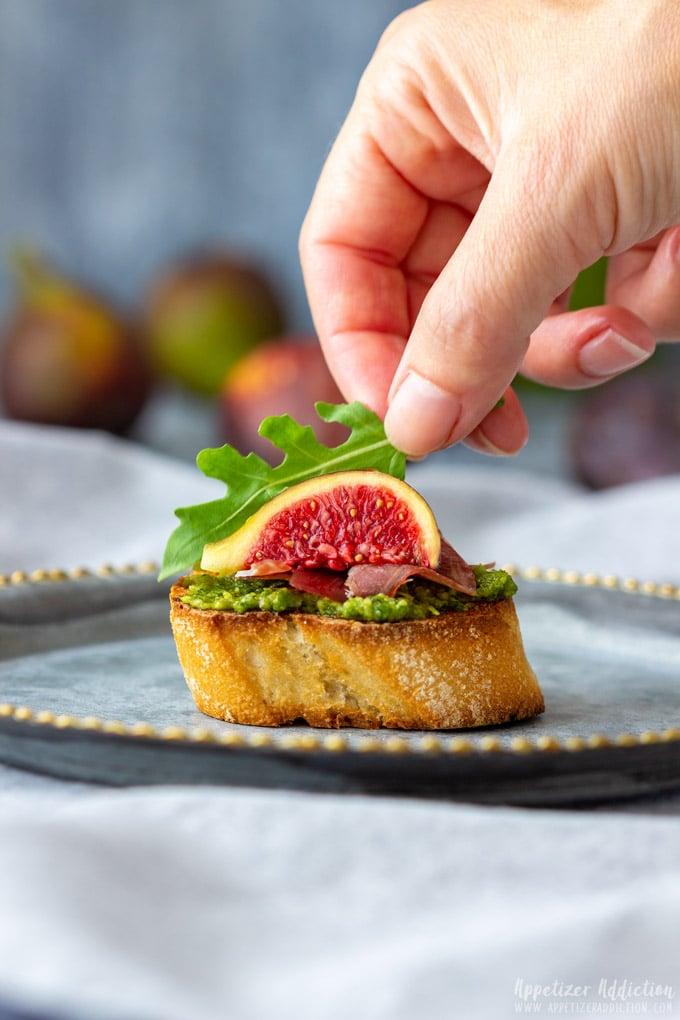 How to make Prosciutto Fig Crostini Step 5