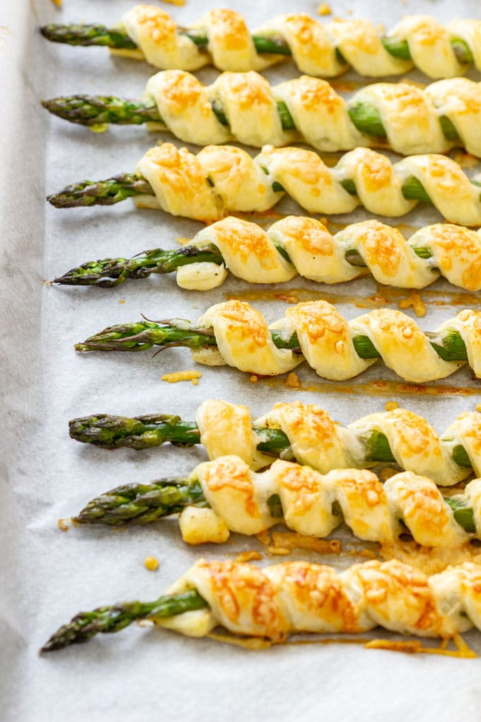 Baked Parmesan Asparagus Pastry Twists