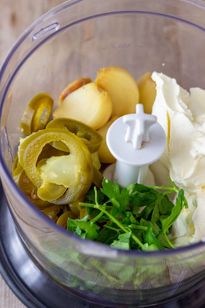 How to make Roasted Garlic Jalapeno Dip Step 1