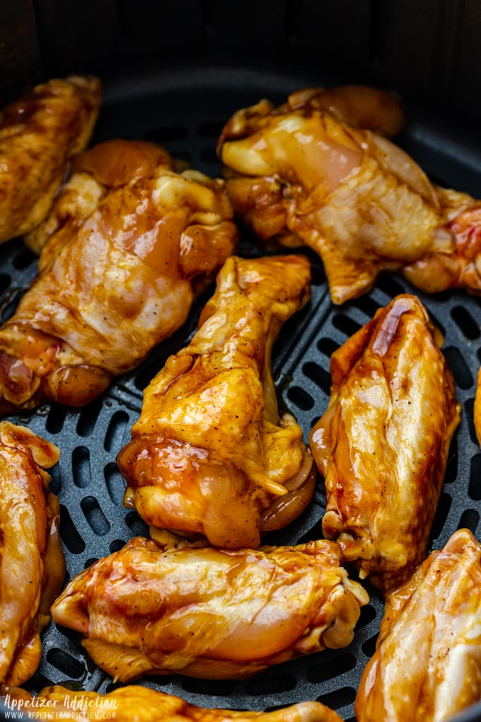 How to make Air Fryer Sticky Chicken Wings Step 2 - Place to the air fryer