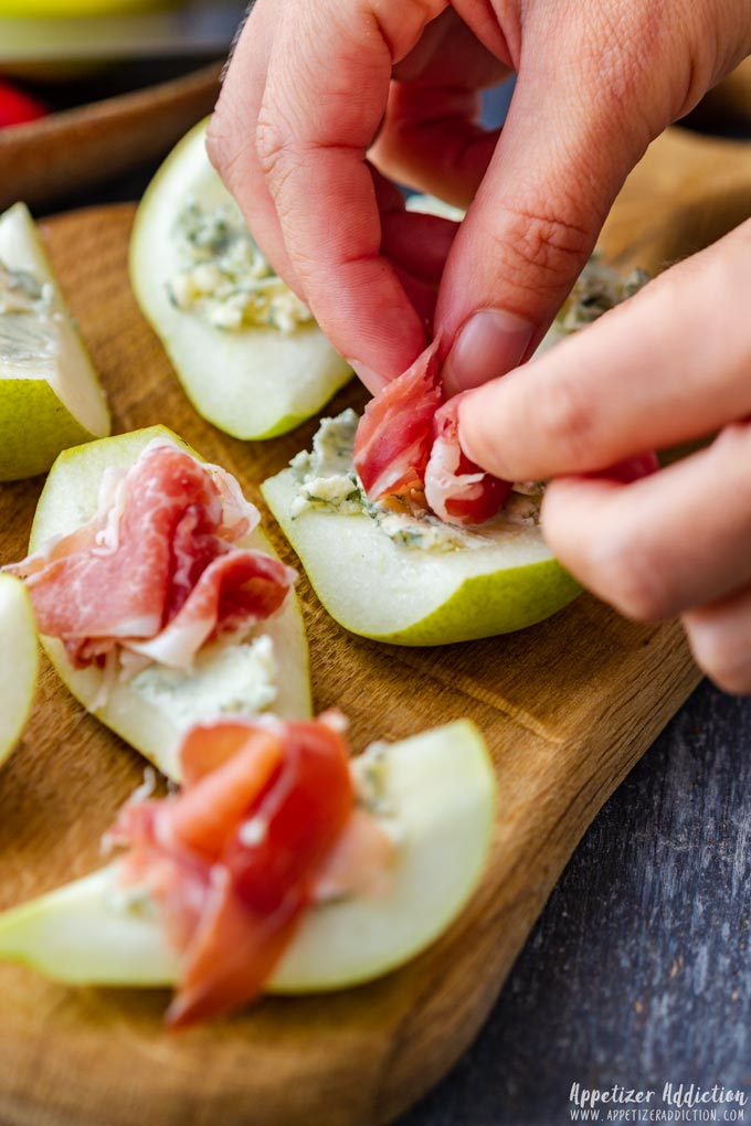 How to make Pear Prosciutto Appetizers Step 3
