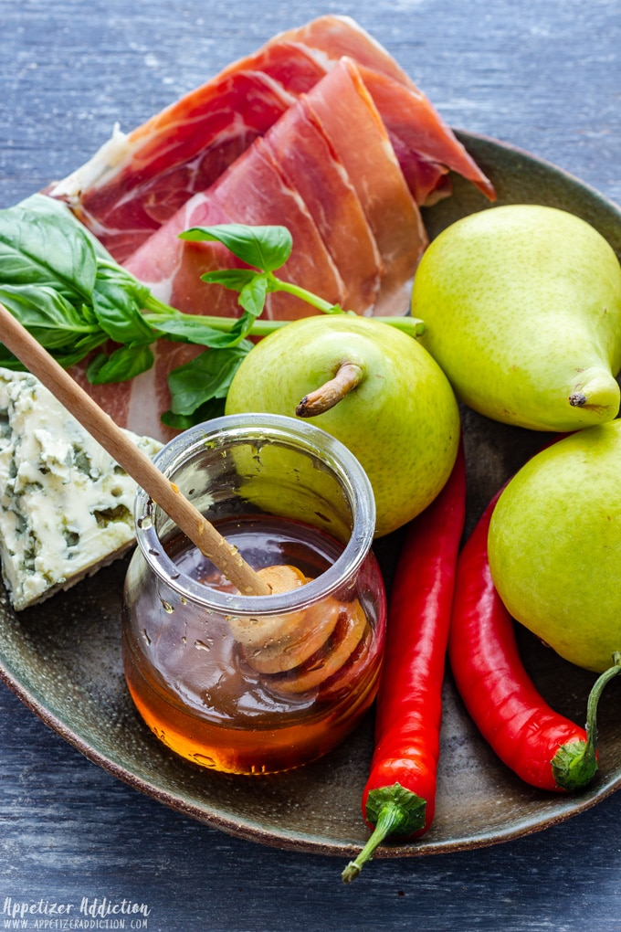 Pear Prosciutto Appetizer Ingredients