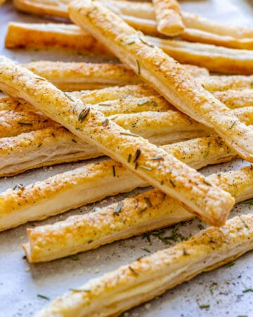Parmesan Puff Pastry Breadsticks