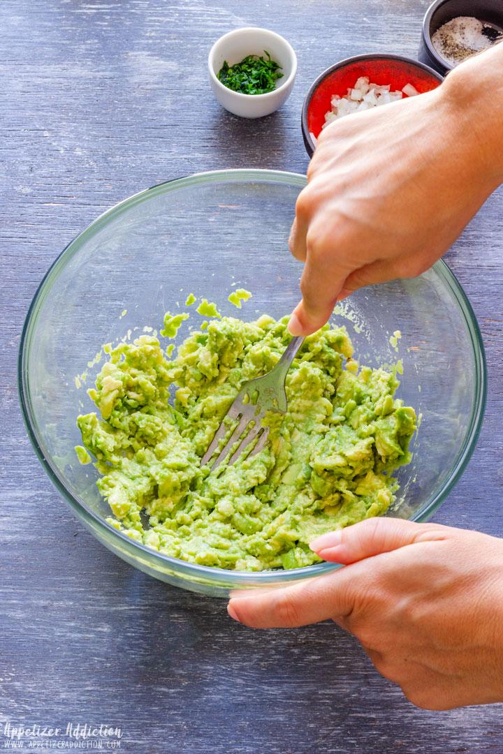 How to make Homemade Guacamole Step 1