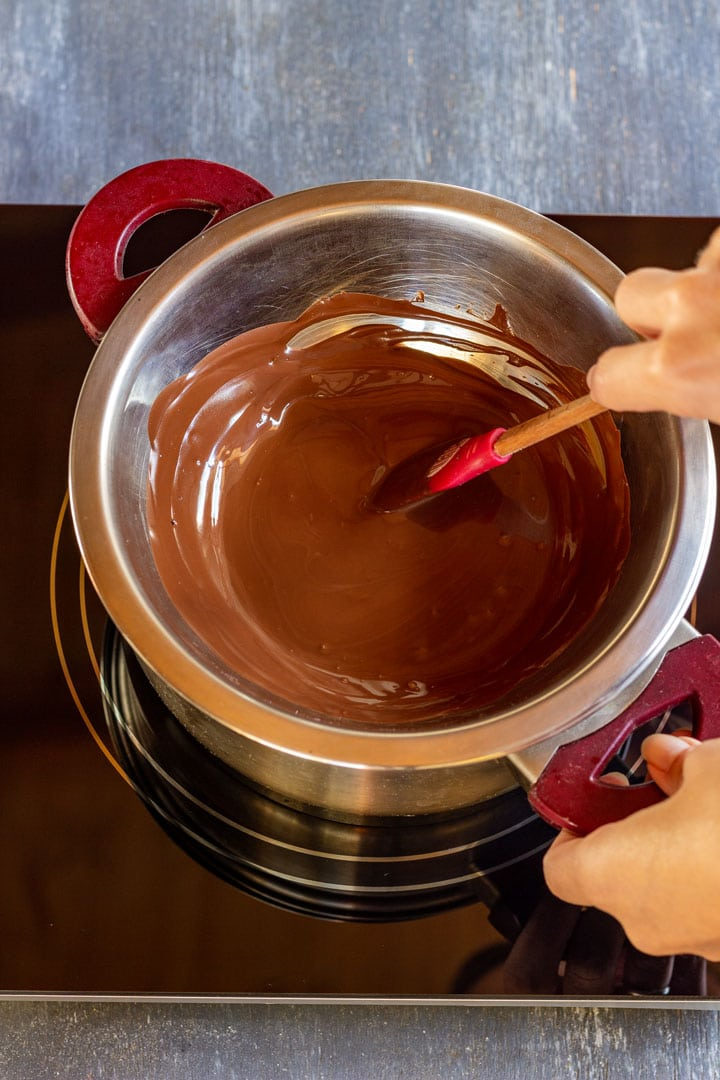 How to make chocolate dipped mandarin slices step 1