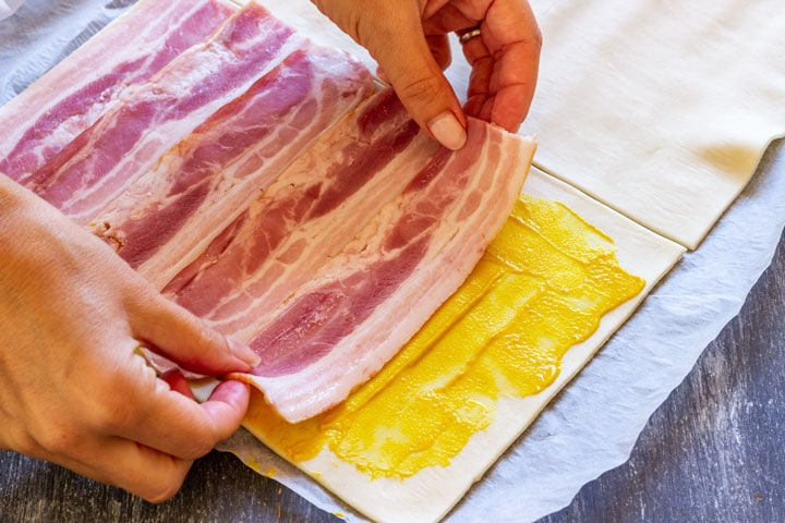 How to make puff pastry twists with bacon step 3
