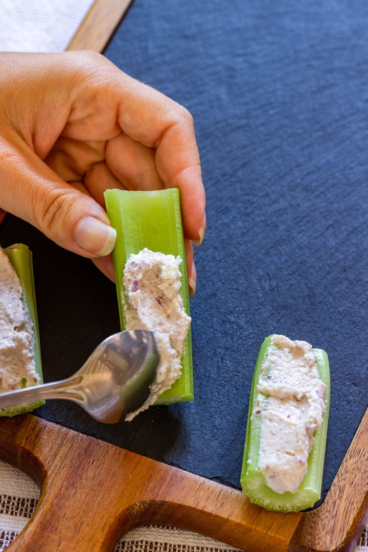 How to make stuffed celery step 3